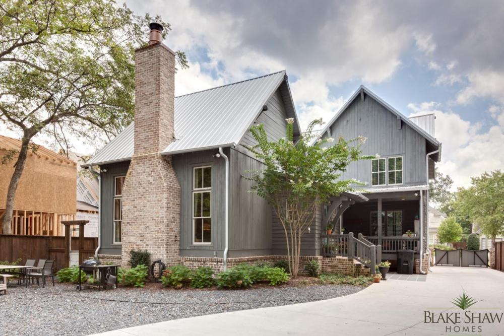 Rustic atlanta farmhouse blake shaw homes atlanta for Custom rustic homes